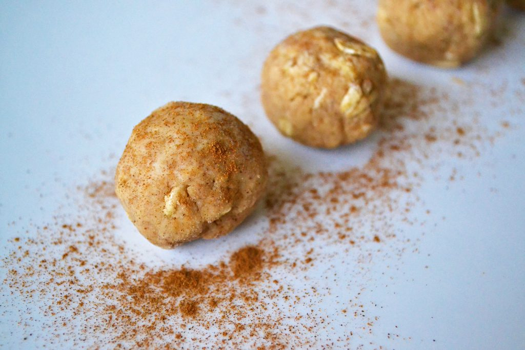 snickerdoodle no bake protein cookies