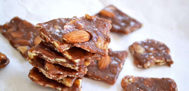 how to make chocolate almond brittle